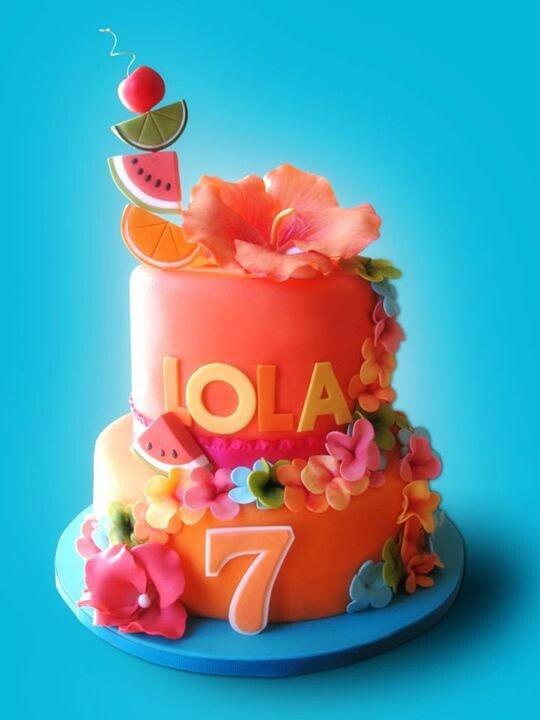 Wondrous 9 Tropical Hawaiian Themed Birthday Cakes Photo Hawaiian Theme Funny Birthday Cards Online Kookostrdamsfinfo
