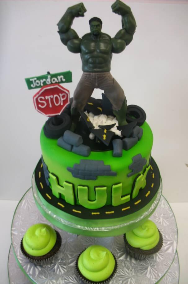 Incredible 10 Hulk Birthday Cakes Photo Hulk And Iron Man Cake Incredible Personalised Birthday Cards Veneteletsinfo
