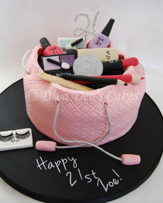 Super 7 Purse Birthday Cakes With Make Up Photo Make Up Bag Cake 21St Funny Birthday Cards Online Eattedamsfinfo