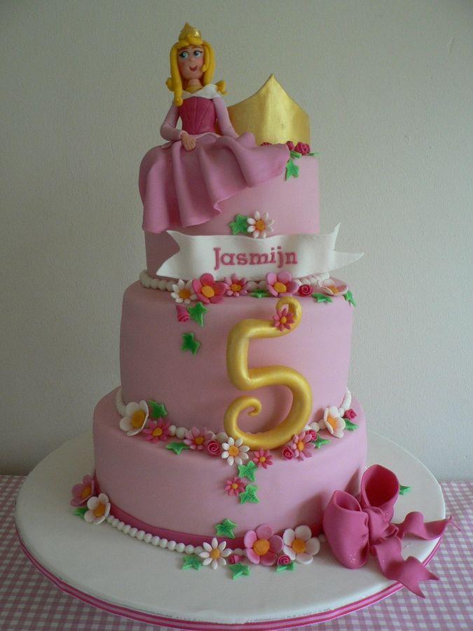 Aurora Sleeping Beauty Birthday Cake