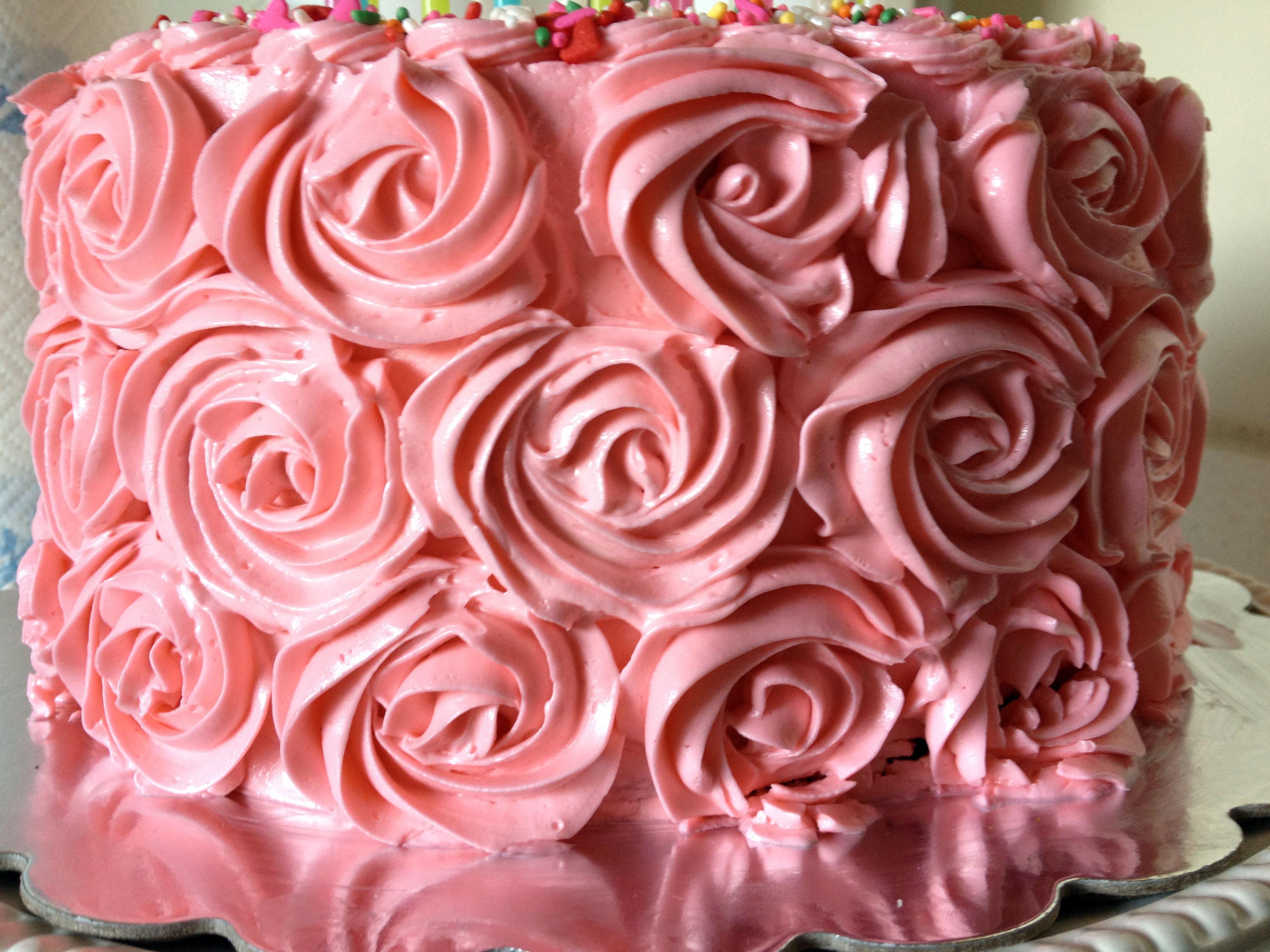 5 Red Velvet Rosette Cupcakes Photo Red Velvet Cake With Rosettes