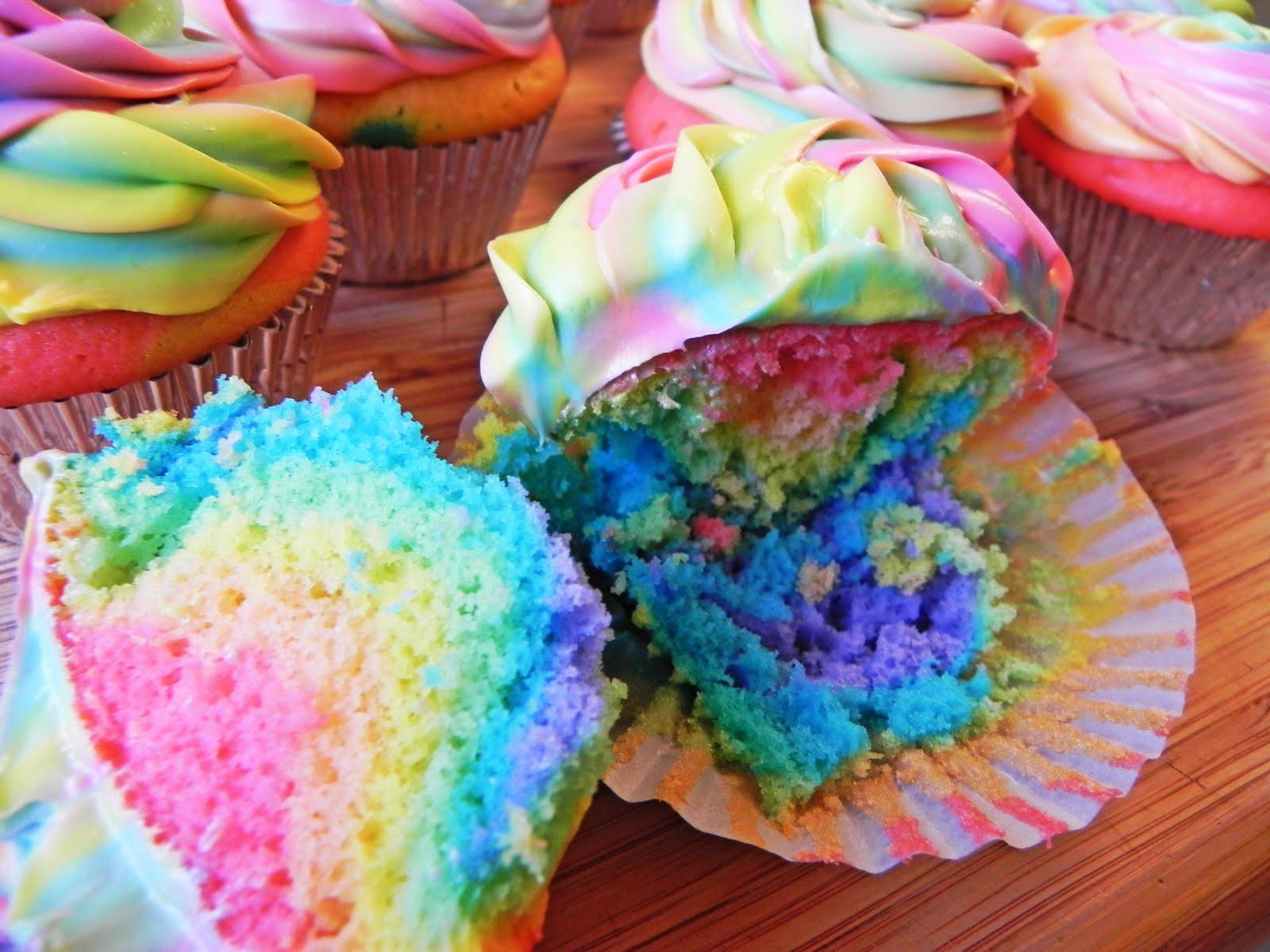 c2cc32c3ff26c4 12 Tie Dye Cupcakes Photo - Tie Dye Cupcake