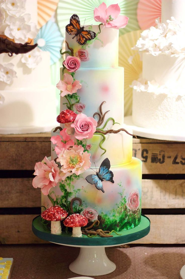 10 Worlds Most Unusual Wedding Cakes Photo Most Unique Wedding