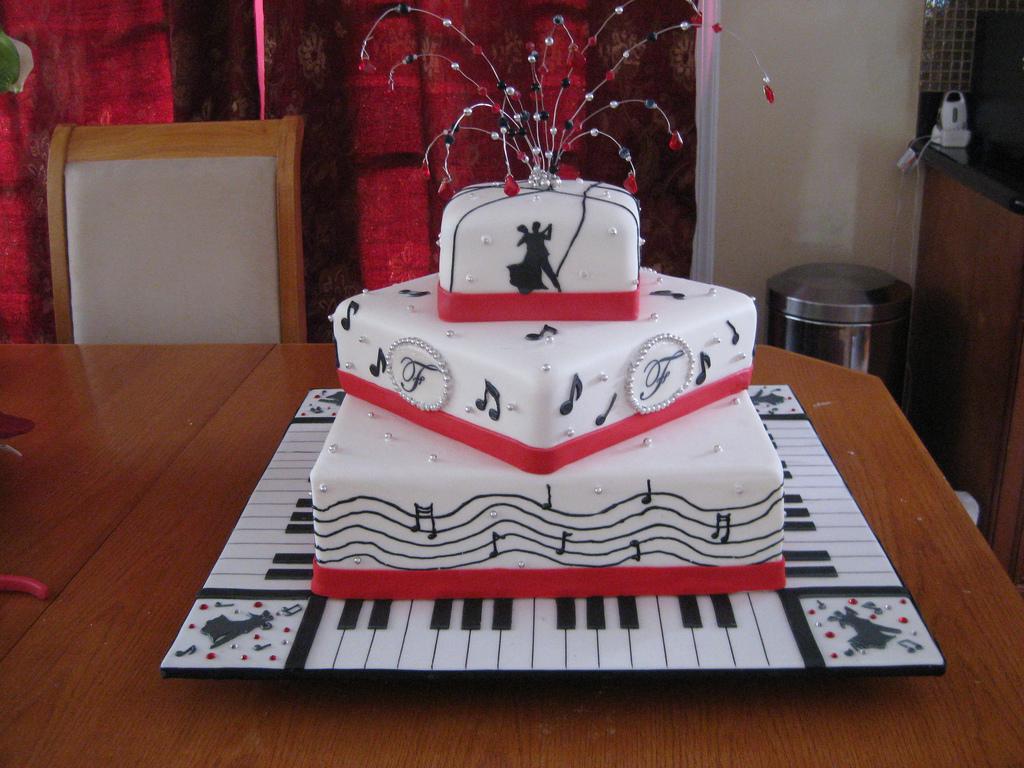 11 Music Themed Groom S Cakes Photo Music Themed Wedding Cake