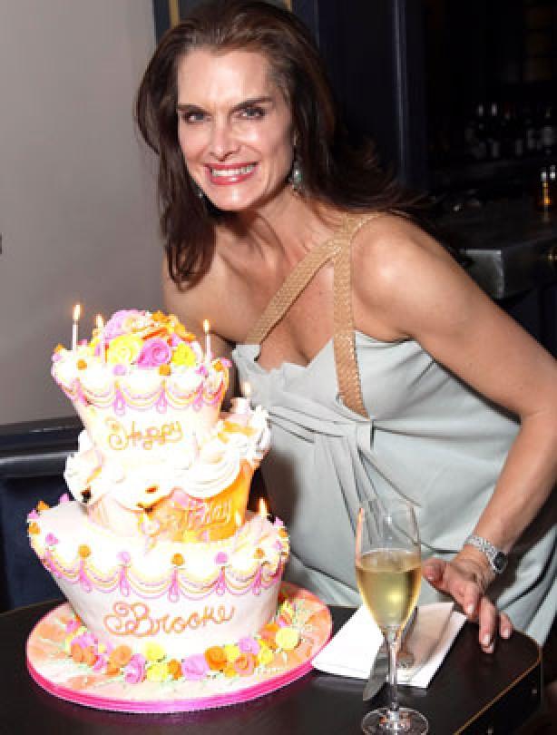 Swell 11 Best Celebrity Birthday Cakes Photo Celebrities Birthday Funny Birthday Cards Online Aboleapandamsfinfo