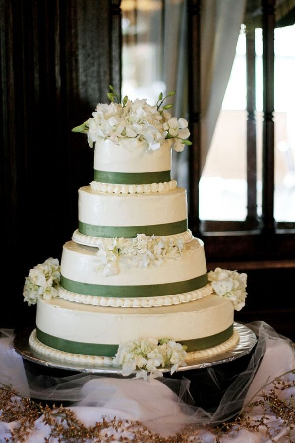 9 Dark Green Wedding Cakes Photo Green And Black Wedding Cake