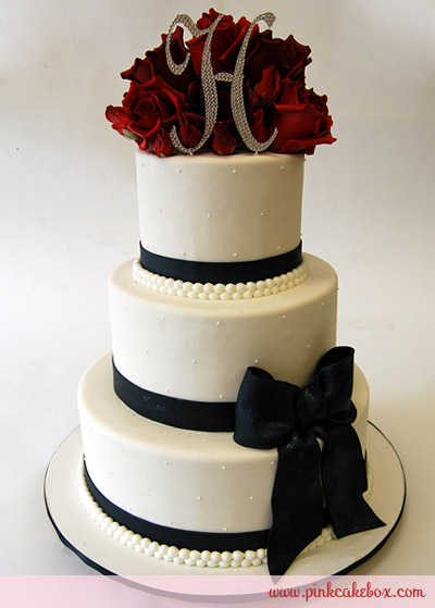 8 White Round Wedding Cakes Red Black With Touch Of Bows Photo ...
