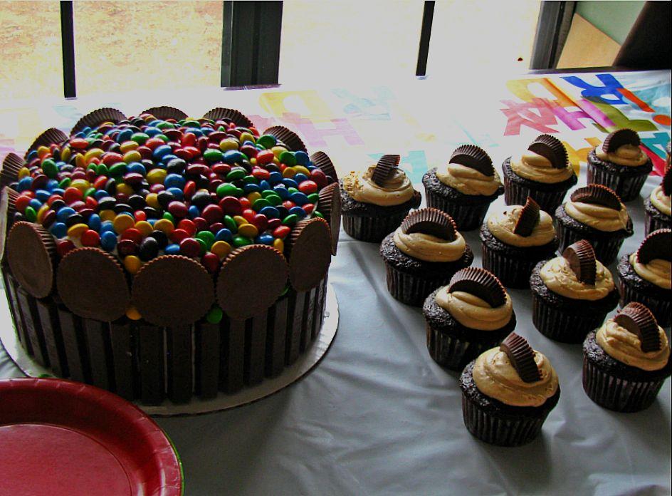 12 Birthday Cupcakes For Teen Boys Photo