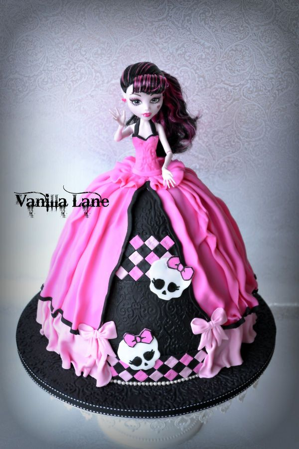 Swell 10 Maggie Monster High Doll Cakes Photo Monster High Doll Cake Personalised Birthday Cards Sponlily Jamesorg