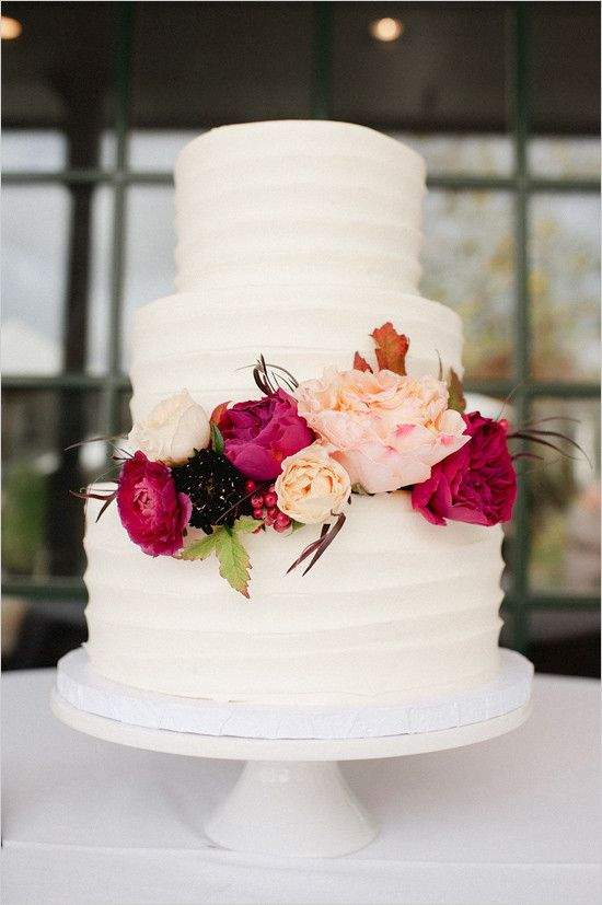 12 Wedding Cakes With Red Flowers On Pinterest Photo - Wedding Cake ...