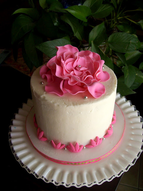 Easy Flower Designs For Cakes