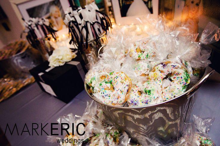 11 Mini King Cakes Favors Photo New Orleans King Cake Wedding