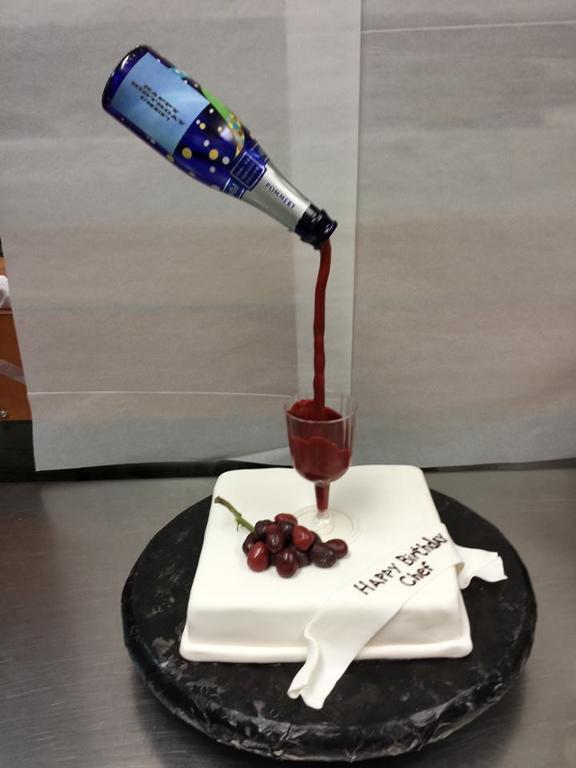 10 Wine Glass Fondant Cakes Photo