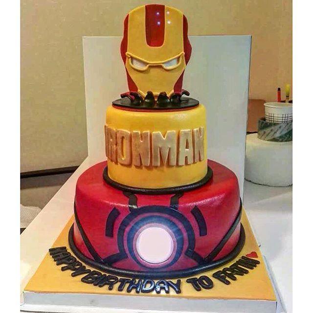11 Cool Birthday Cakes Iron Man Photo Iron Man Birthday Cake Iron