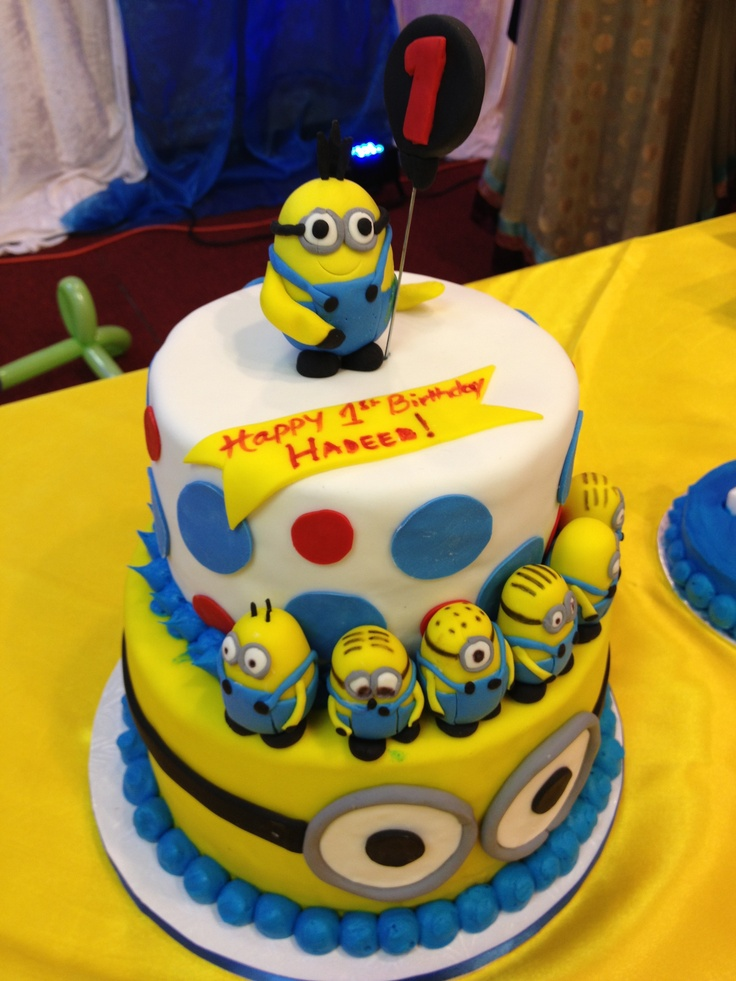 Awesome 9 Nice Birthday Cakes Of Minions Photo Minion Birthday Sheet Personalised Birthday Cards Veneteletsinfo