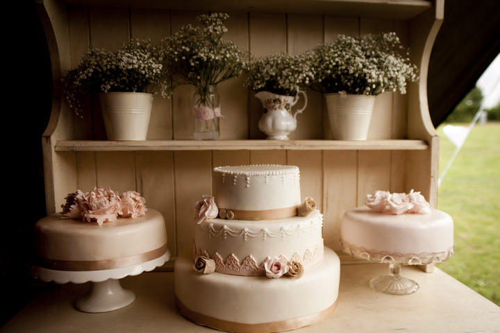 Rustic Romantic Vintage Wedding Cake