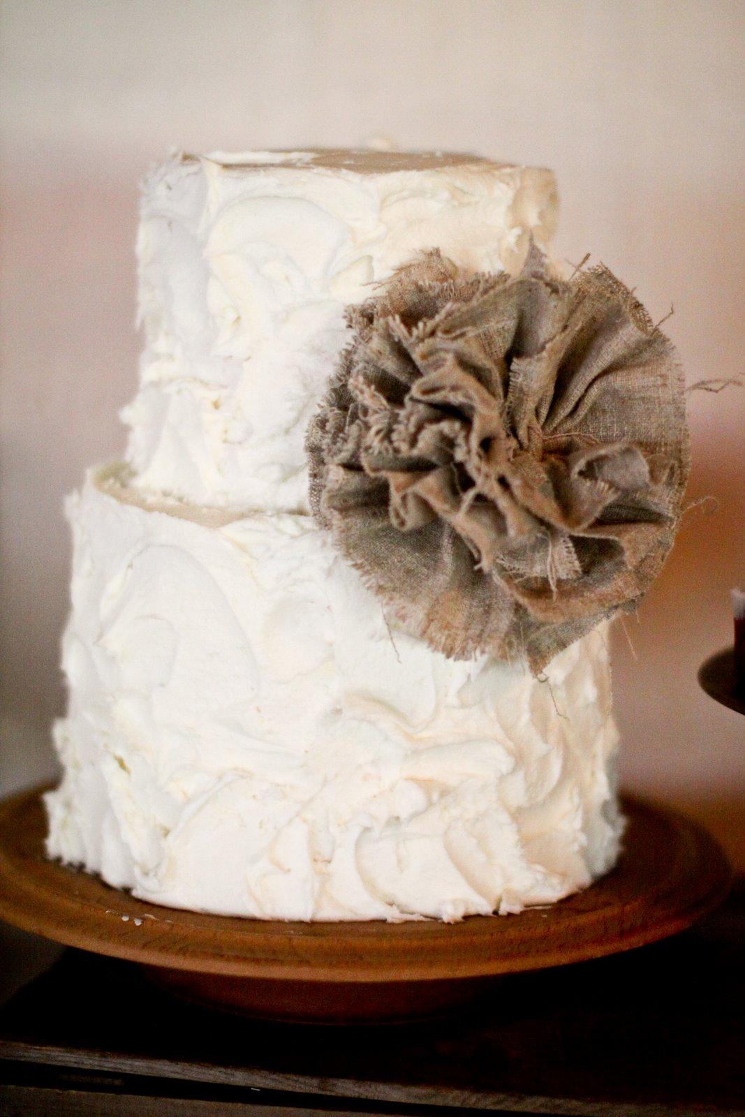 11 Burlap And White Wedding Cakes Photo Burlap And Lace Wedding