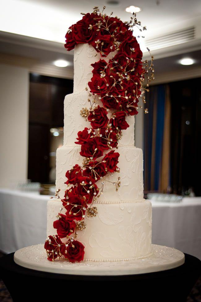 11 Christmas Wedding Cakes 2013 Photo