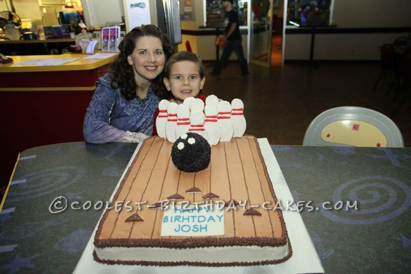 Super 8 Cool Bowling Cakes Photo Bowling Birthday Cake Ideas Bowling Personalised Birthday Cards Paralily Jamesorg