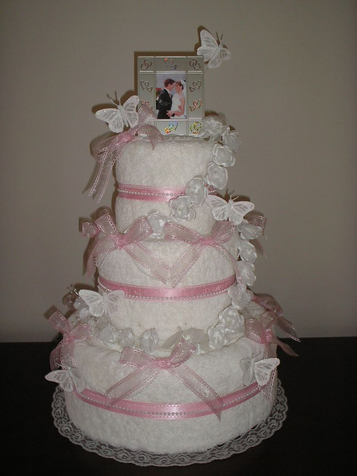 bridal shower towel cake idea