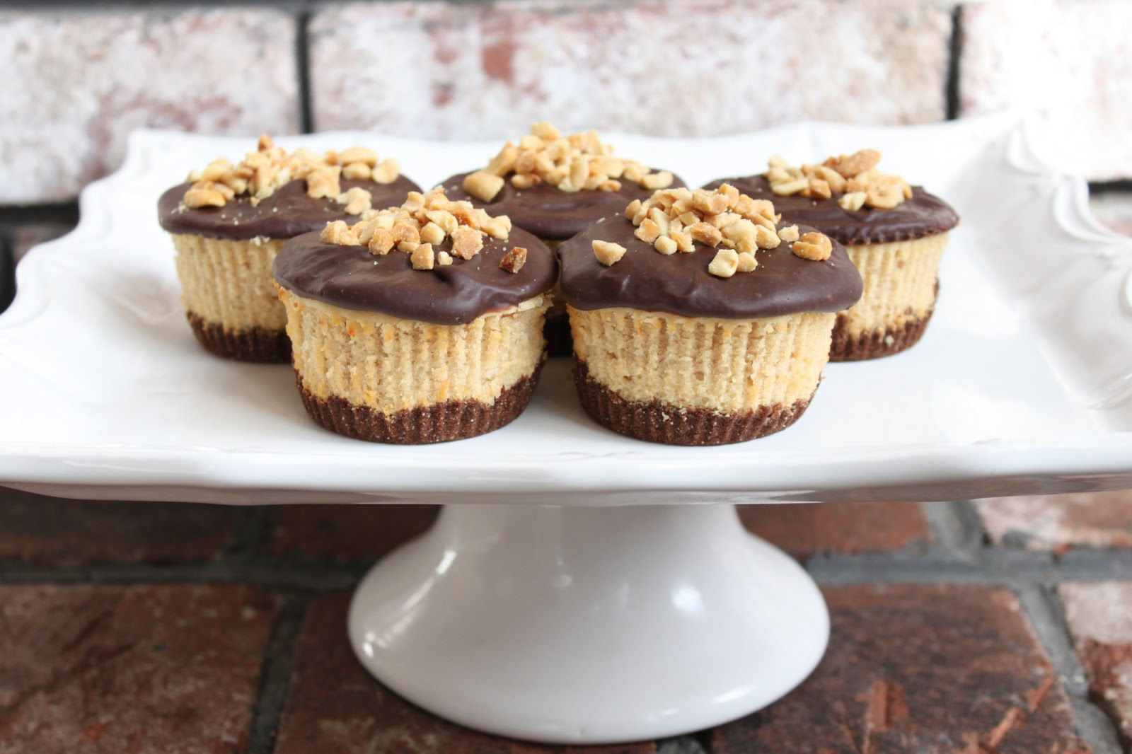 chocolate peanut butter cheesecake cupcakes