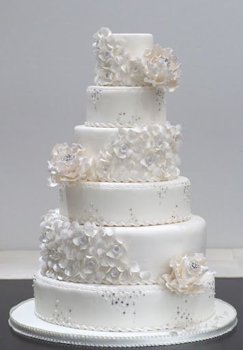 Beautiful Wedding Cake With Bling