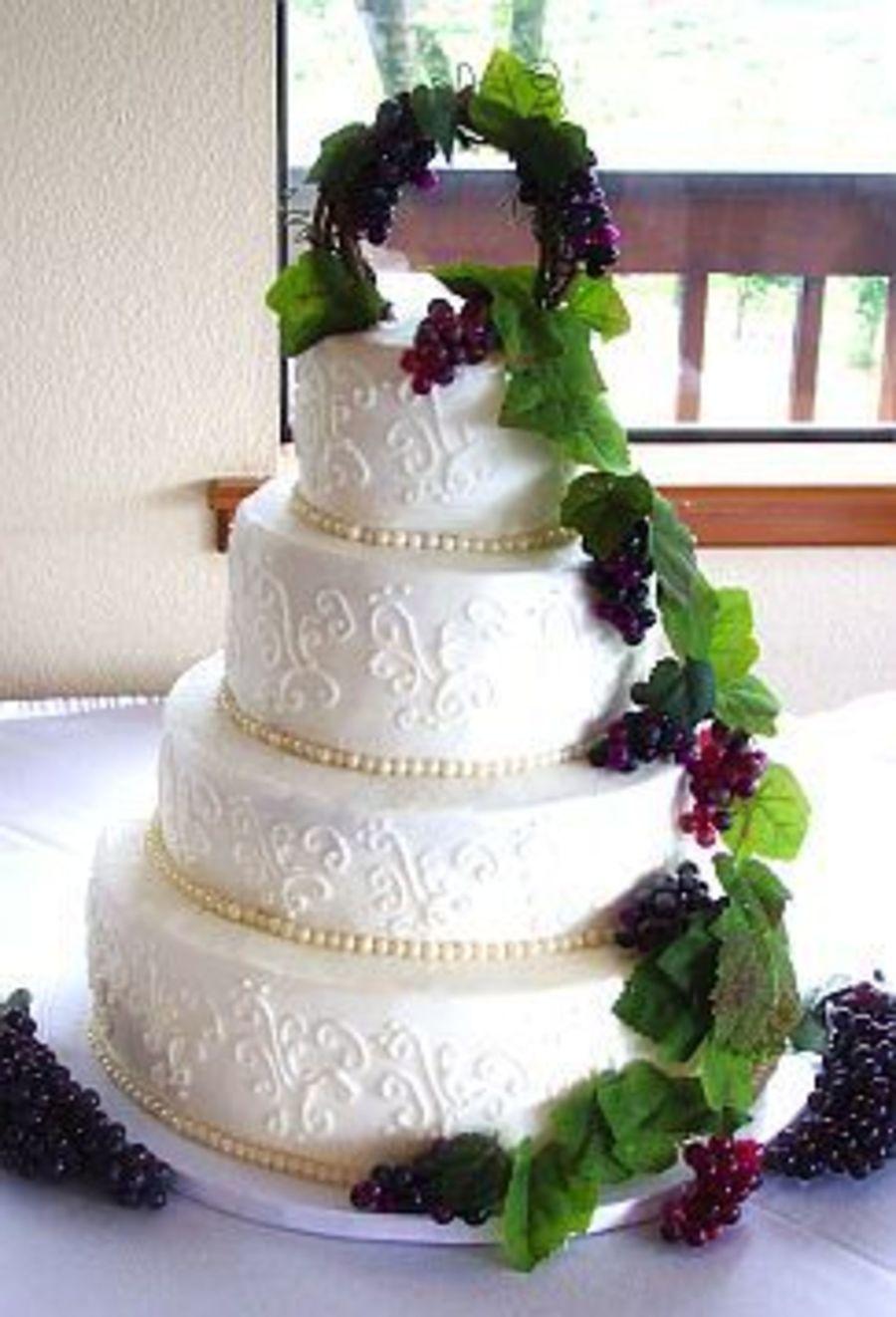 Luxury Vineyard Wedding Cakes Component - Wedding Idea 2018 ...