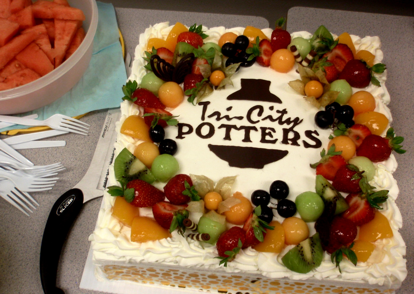 Decorating with Fresh Fruit Cake