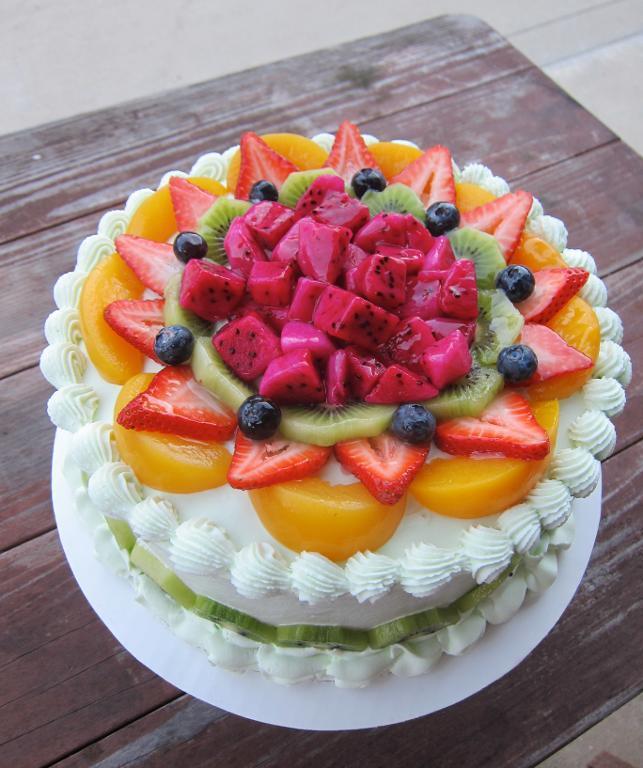 Fruit Cake Decoration Idea