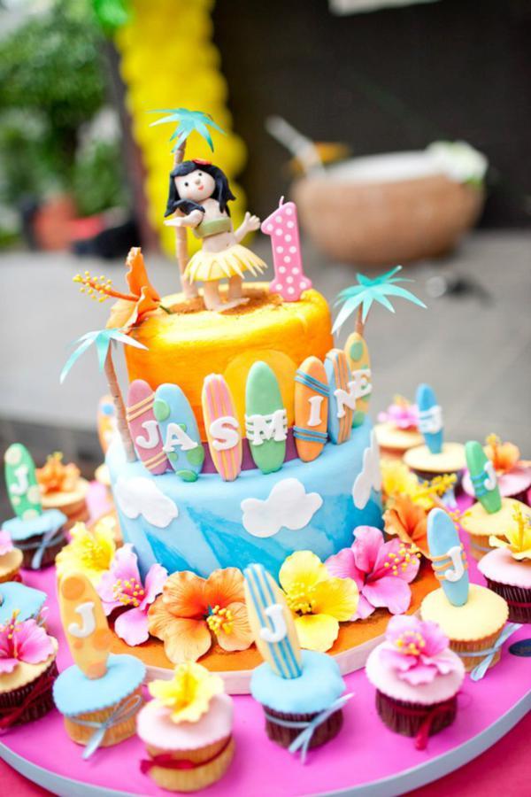 9 Hawaiian Themed Girls Birthday Cakes Photo