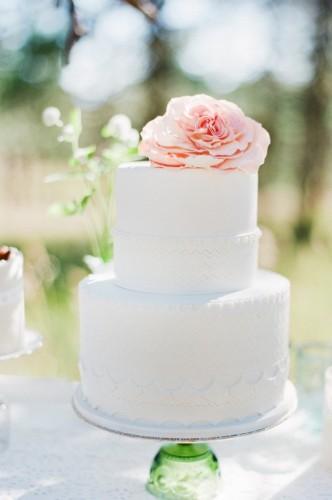 6 Two Tier Cakes Simple Elegant Photo Elegant Two Tier Wedding
