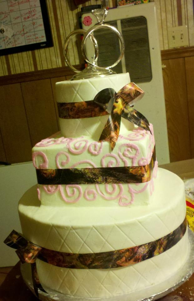 12 Pink Camo Wedding Cupcakes Photo - Pink Camo Cupcakes, Browning ...