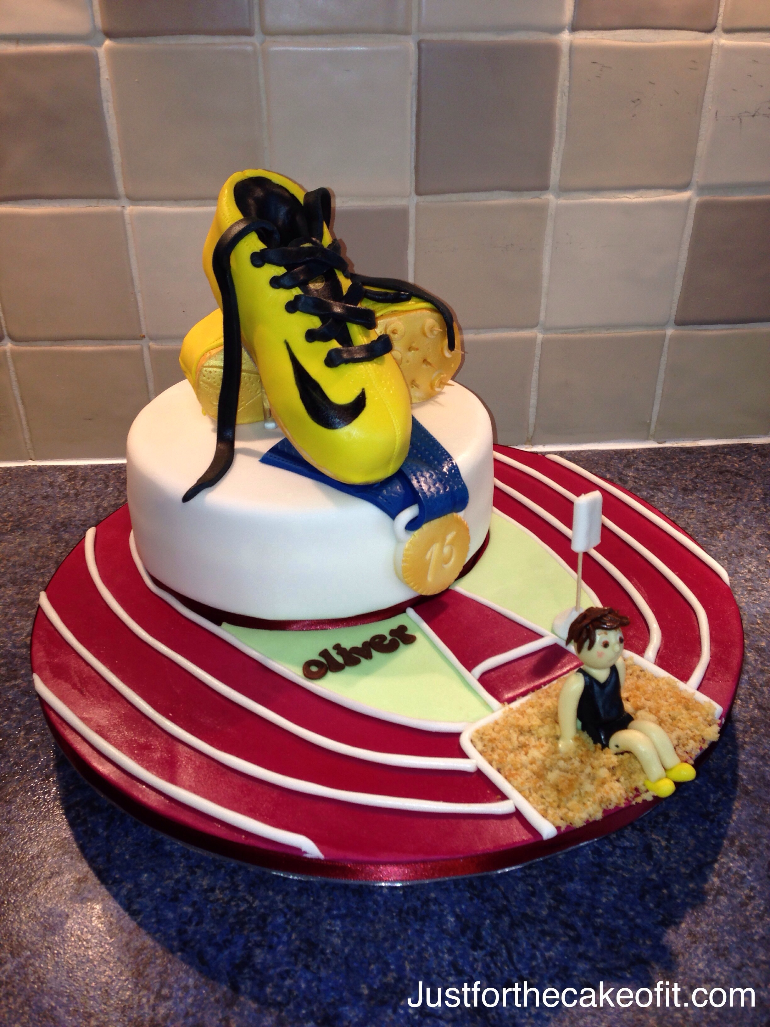 7 Running Themed Wedding Cakes Photo Wedding Cake Toppers Bride
