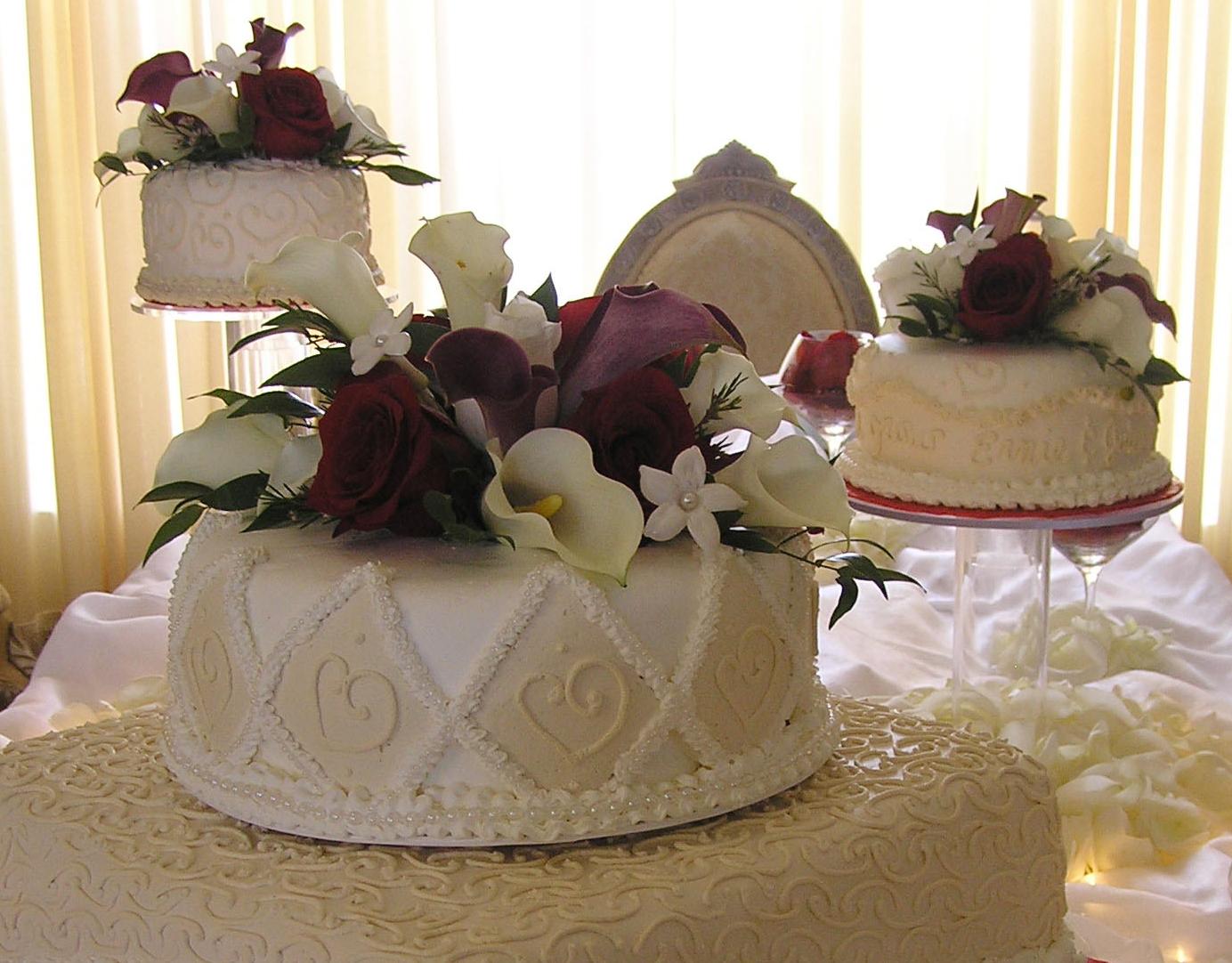 11 Square Wedding Cakes Burgundy And Champagne Photo - Fruit Wedding ...