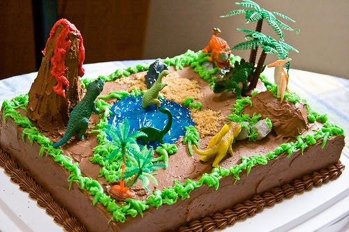 Enjoyable 8 Dinosaur Cakes At Albertsons Photo Dinosaur Birthday Cake Funny Birthday Cards Online Alyptdamsfinfo