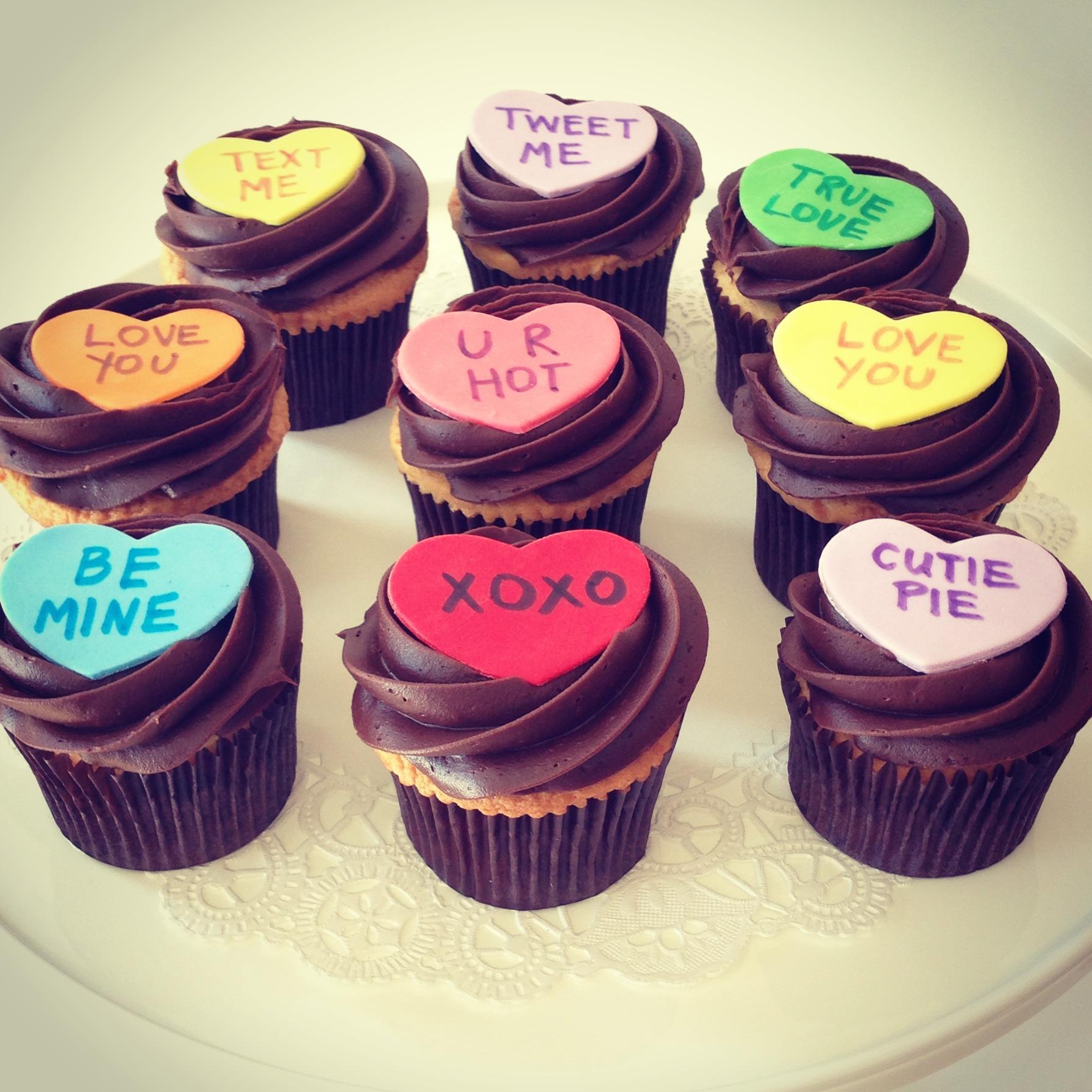 11 Fondant Valentine S Day Cupcakes Photo Valentine S Day Cupcakes