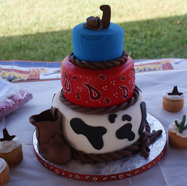 Pleasant 10 Western Birthday Cakes For Her Photo Cowboy Themed Birthday Funny Birthday Cards Online Alyptdamsfinfo