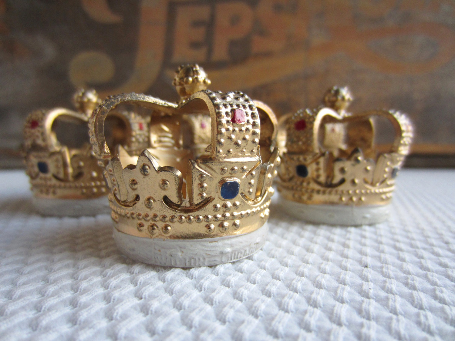 king crown cake topper crown wallpaper hd imageso org