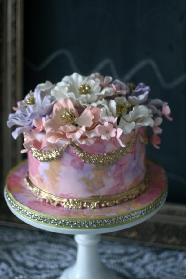 Elegant Birthday Cakes With Flowers