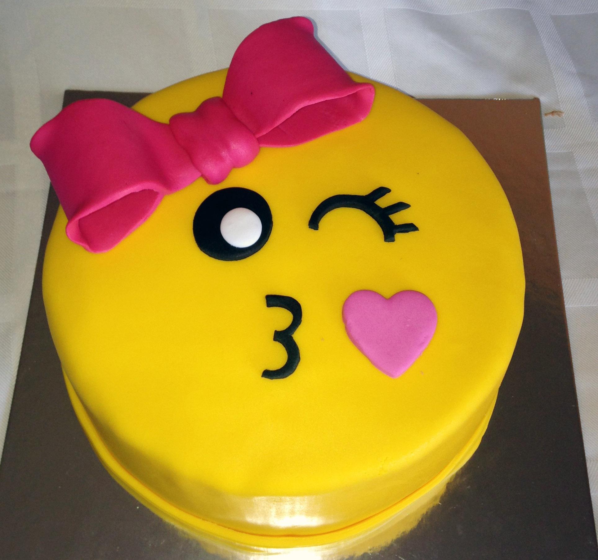 11 Emoji Birthday Cakes For Girls 10 Photo