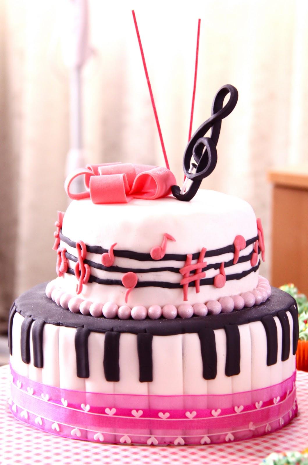 Music Note Birthday Cake