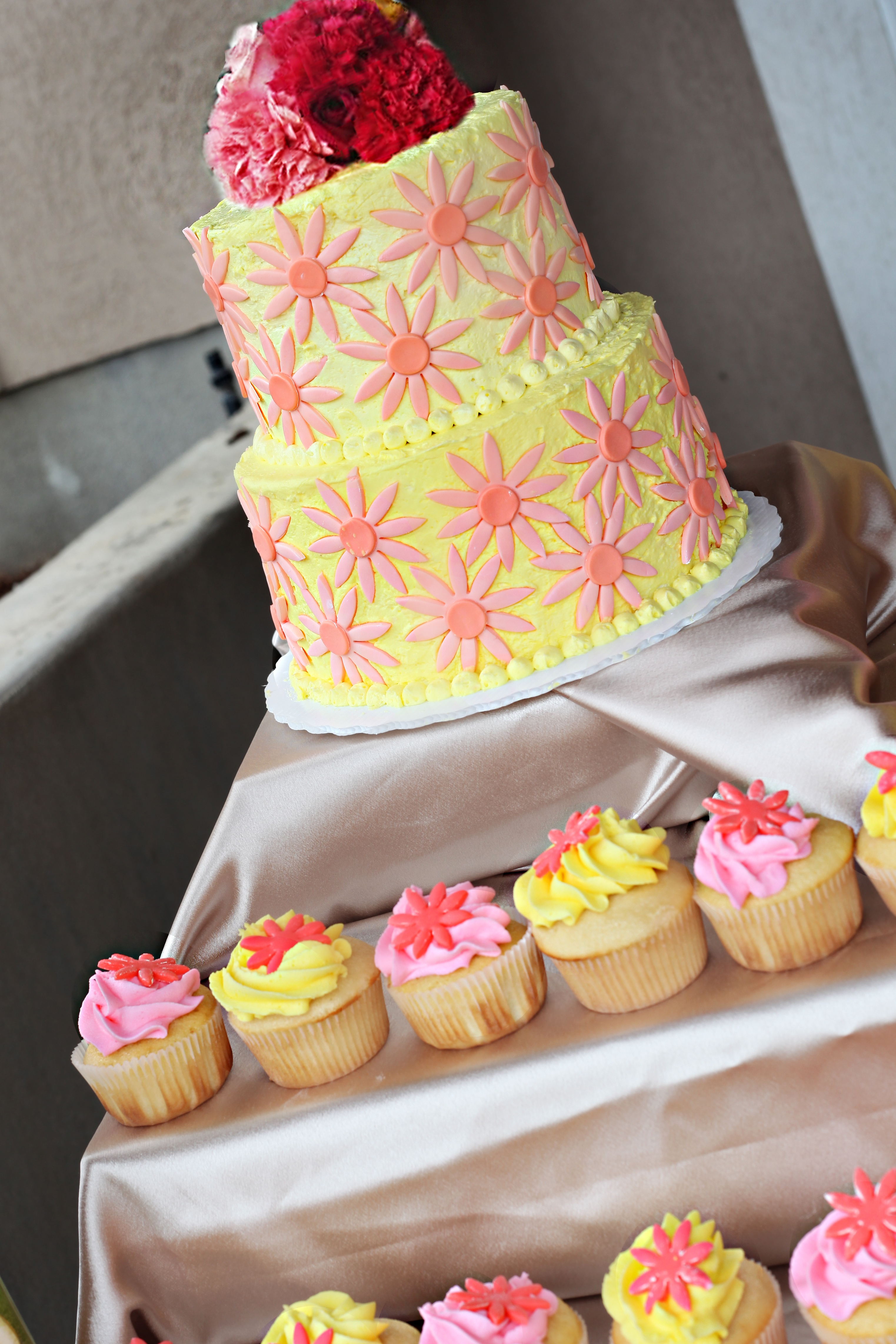 11 Yellow And Pink Wedding Cupcakes Ideas Photo - Hot Pink and ...
