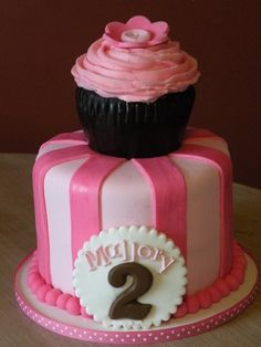 10 Birthday Cake With Cupcakes On Top Photo