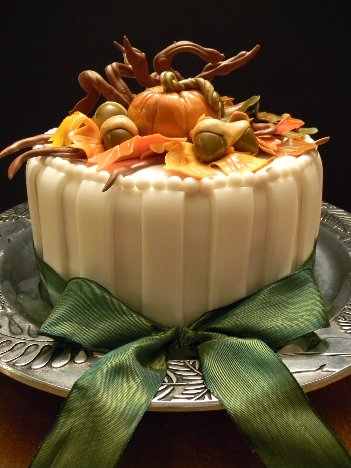 12 Beautiful Fall Thanksgiving Cakes Photo Fall Birthday Cake Idea