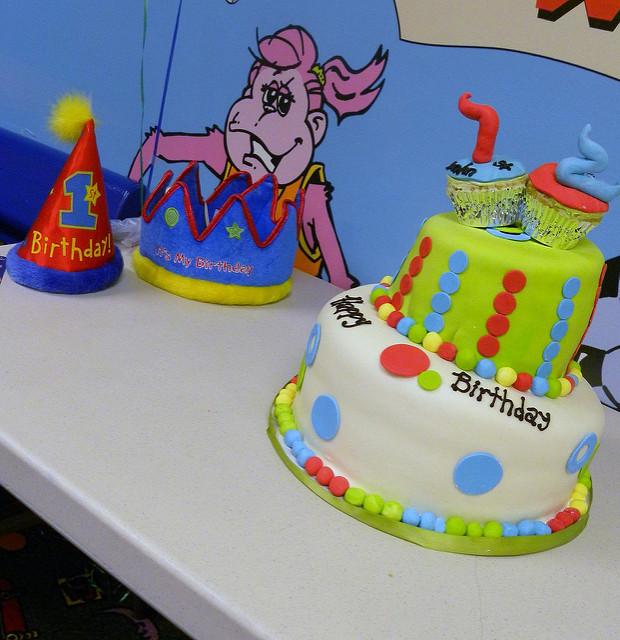 6 Wilmington Nc Birthday Cakes Photo Hot Pink Cake Stand
