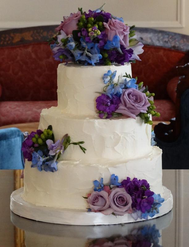 8 Purple Tropical Wedding Cakes Buttercream Photo Purple Ombre