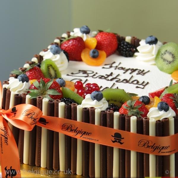 9 Classy Cakes Decorated With Fresh Fruit Photo Wedding Cakes