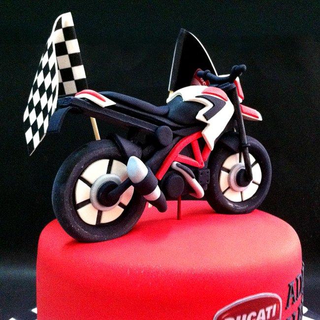 12 Motorcycle Fondant Cakes Photo Motorcycle Fondant Cake