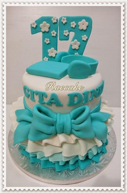 Sweet 17 Birthday Cake
