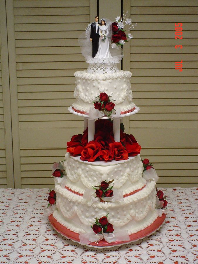 wedding cakes red 8 and white tier shaped cakes photo 25346